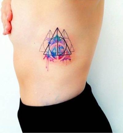 Hình xăm ba tam giác
