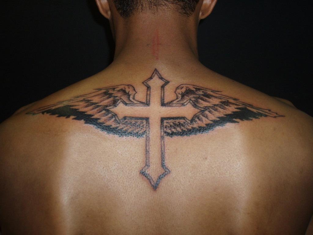 Hình xăm cây thánh giá sau lưng đẹp nhất