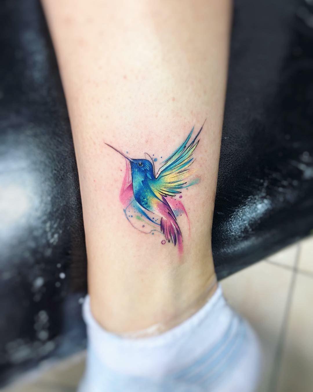 Hình xăm chim én nghệ thuật ở cổ chân đẹp nhất