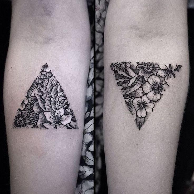 Hình xăm tam giác cho nữ