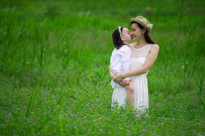 Hình ảnh mẹ và con gái