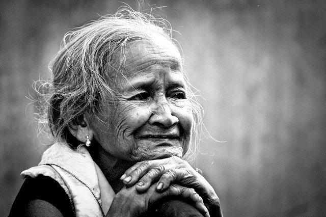 Hình ảnh người mẹ già