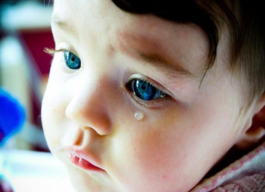 Hình ảnh bé buồn khóc đẹp nhất