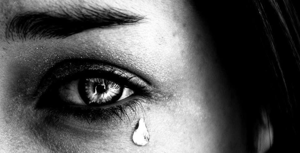 Hình ảnh buồn khóc nhè