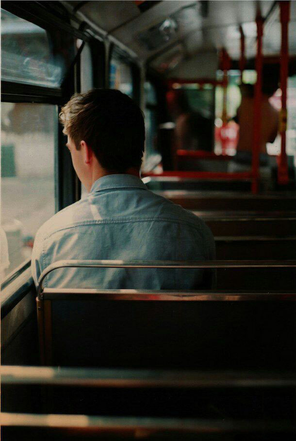 Hình ảnh buồn và cô đơn