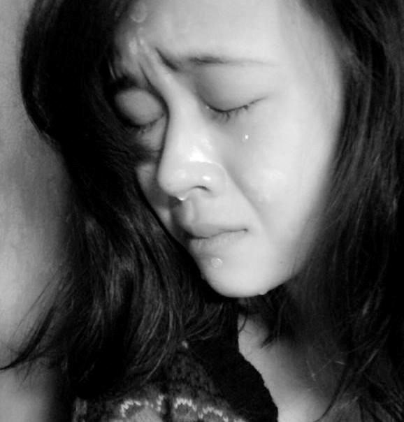 Hình ảnh tâm trạng buồn khóc