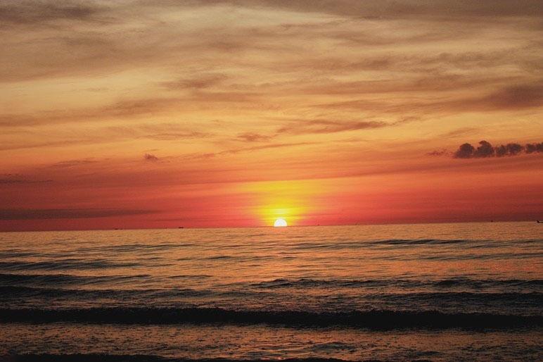 Hình ảnh bình minh ở biển