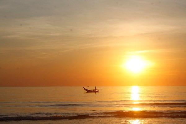 Hình ảnh bình minh trên biển