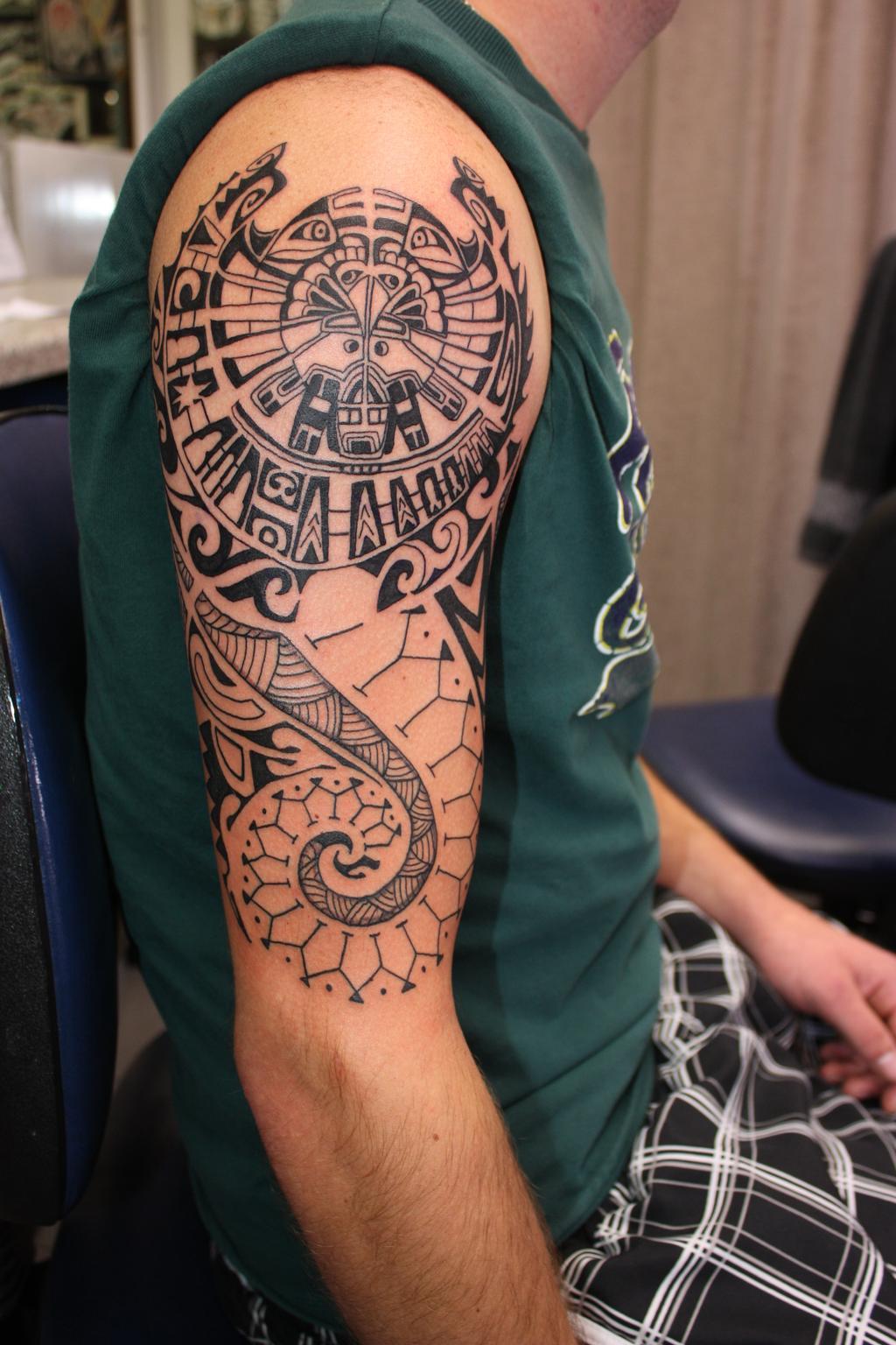 Hình xăm đẹp Maori ở tay