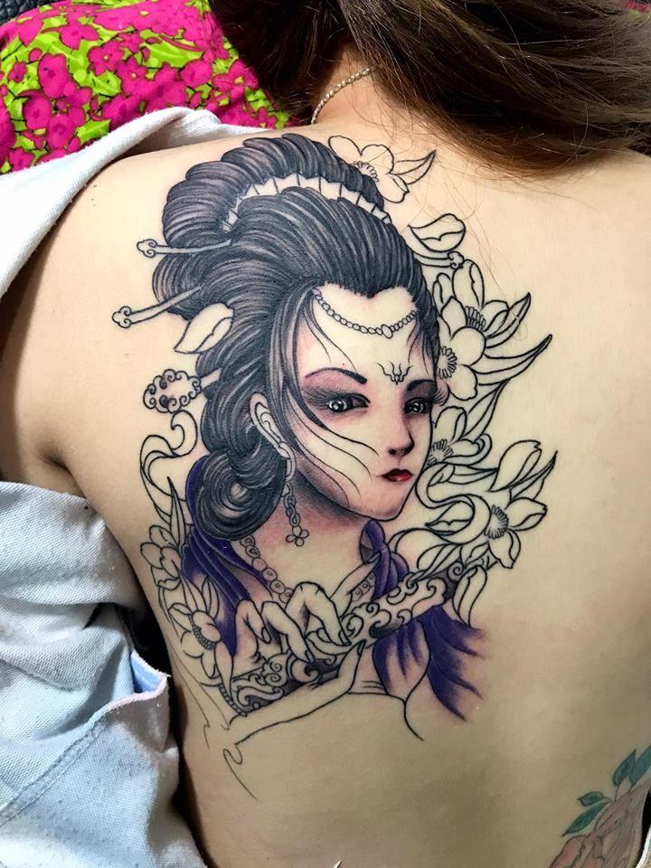 Hình xăm Geisha kín lưng đẹp