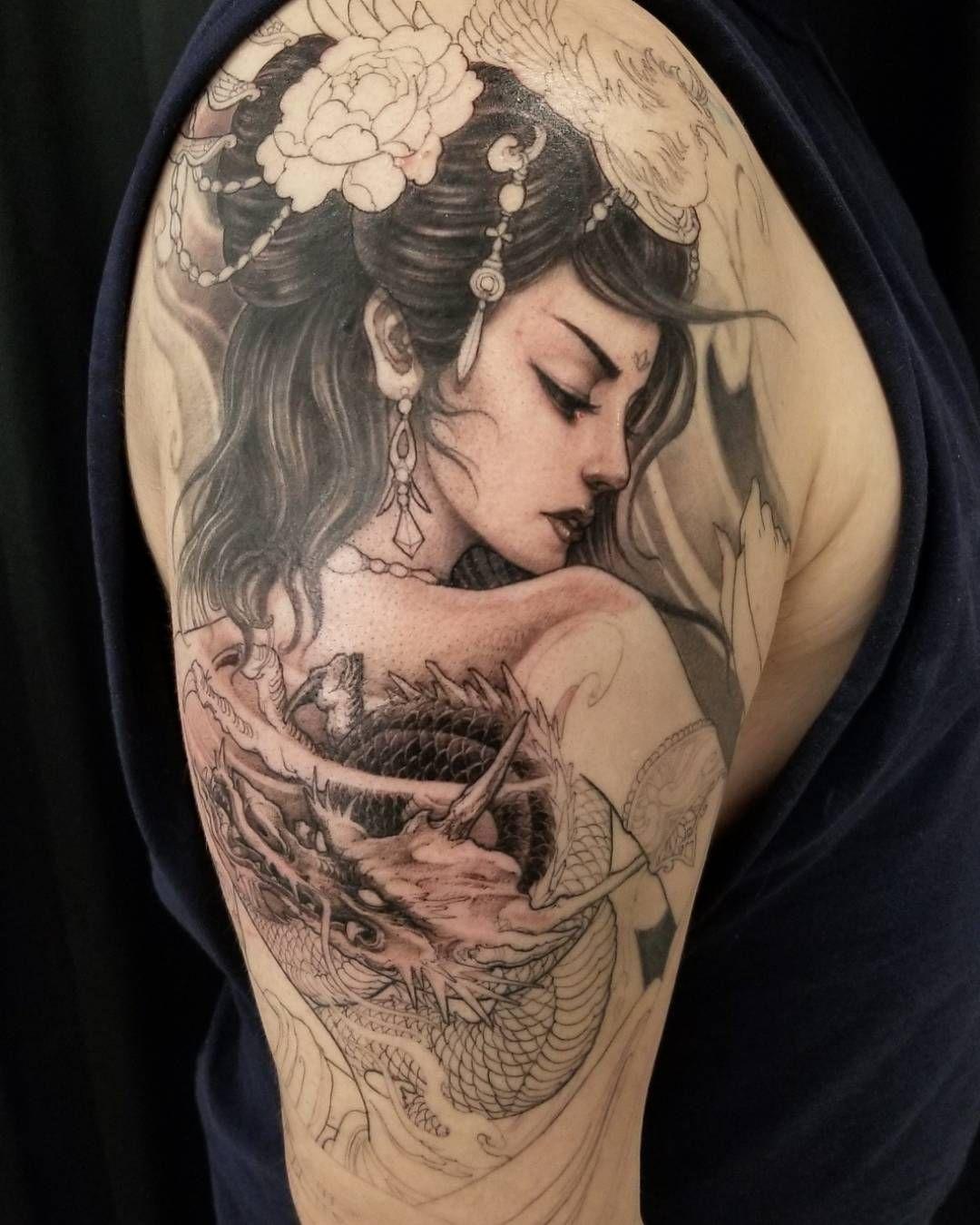 Hình xăm Geisha ở bắp tay nữ đẹp nhất