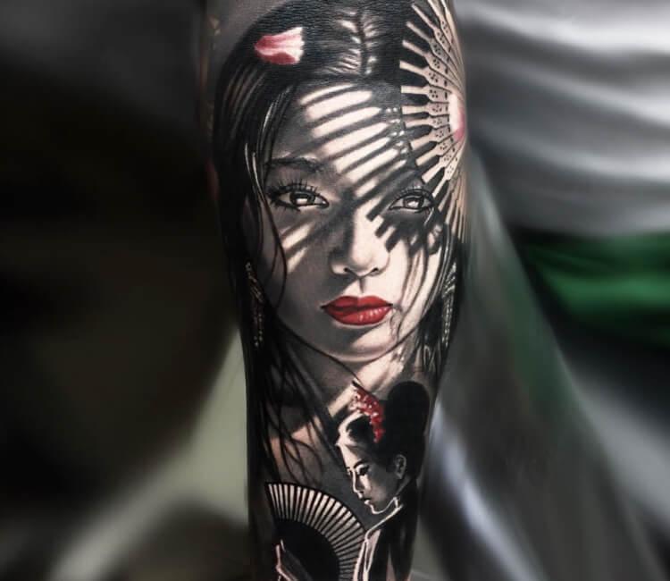 Hình xăm Geisha ở lưng