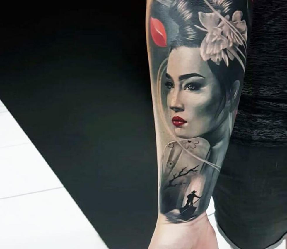Hình xăm Geisha và rắn