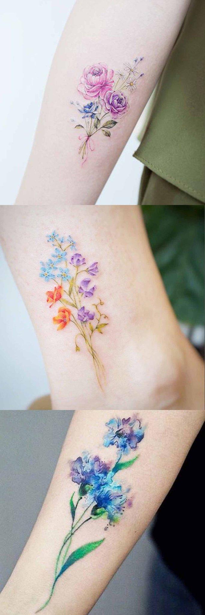 Hình xăm hoa nhỏ có màu