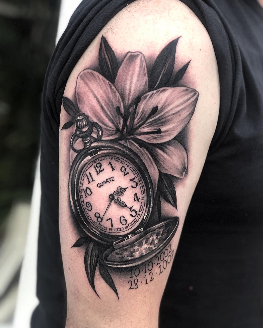 Hình xăm hoa và đồng hồ rất đẹp
