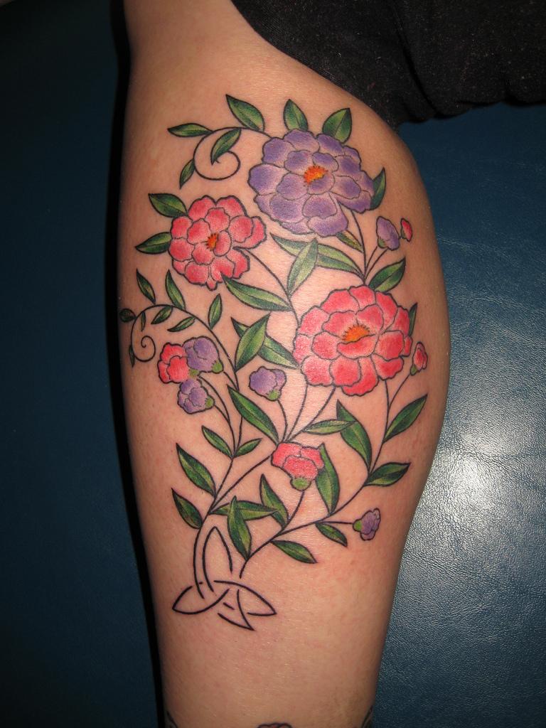 Hình xăm những đóa hoa màu sắc