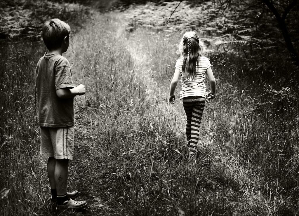 Hình ảnh tình yêu đơn phương trẻ con