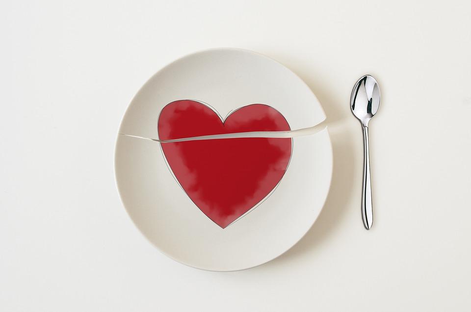 Ảnh trái tim buồn vỡ nát đẹp