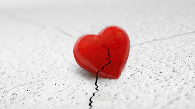 Ảnh trái tim buồn vỡ vụn