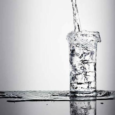 Hình ảnh giọt nước tràn ly