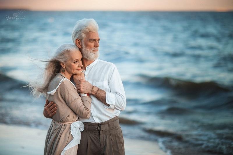 Hình ảnh hạnh phúc tuổi già
