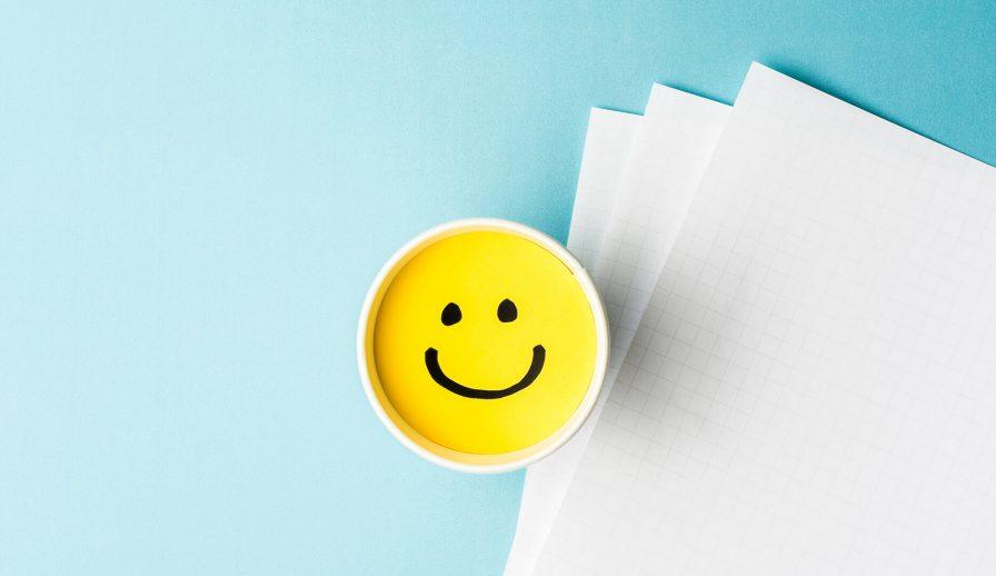 Hình ảnh hạnh phúc, vui vẻ trong công việc