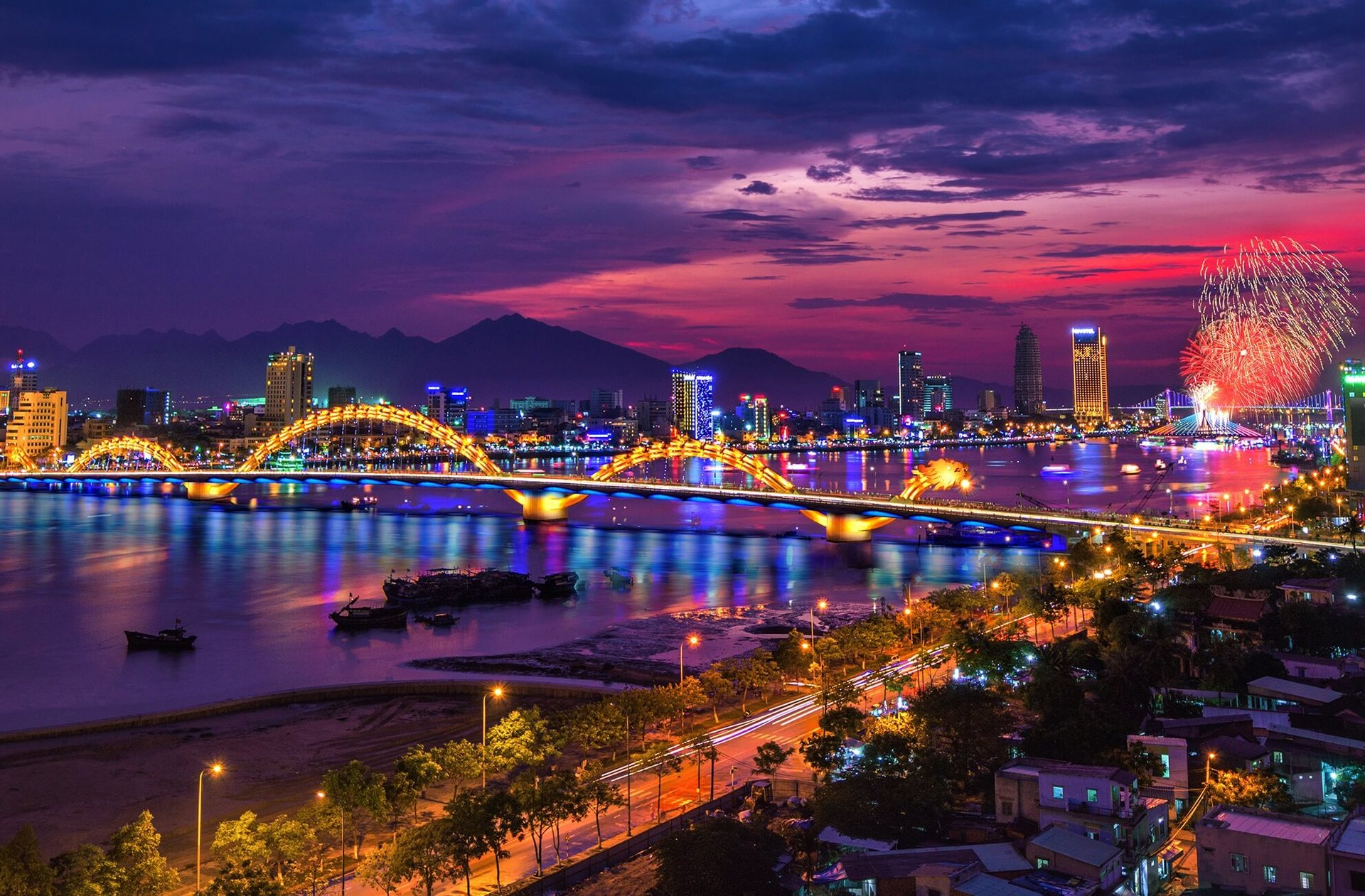 Thành phố Đà Nẵng lung linh