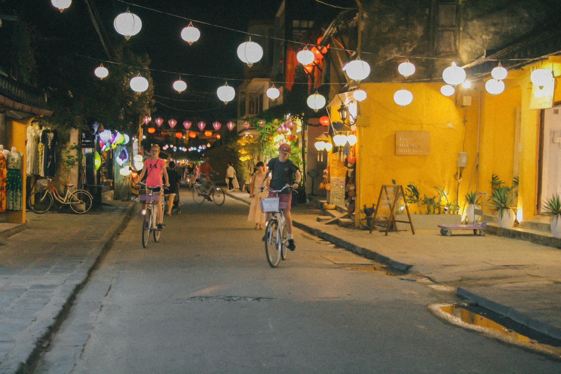 Thành phố Hội An về đêm