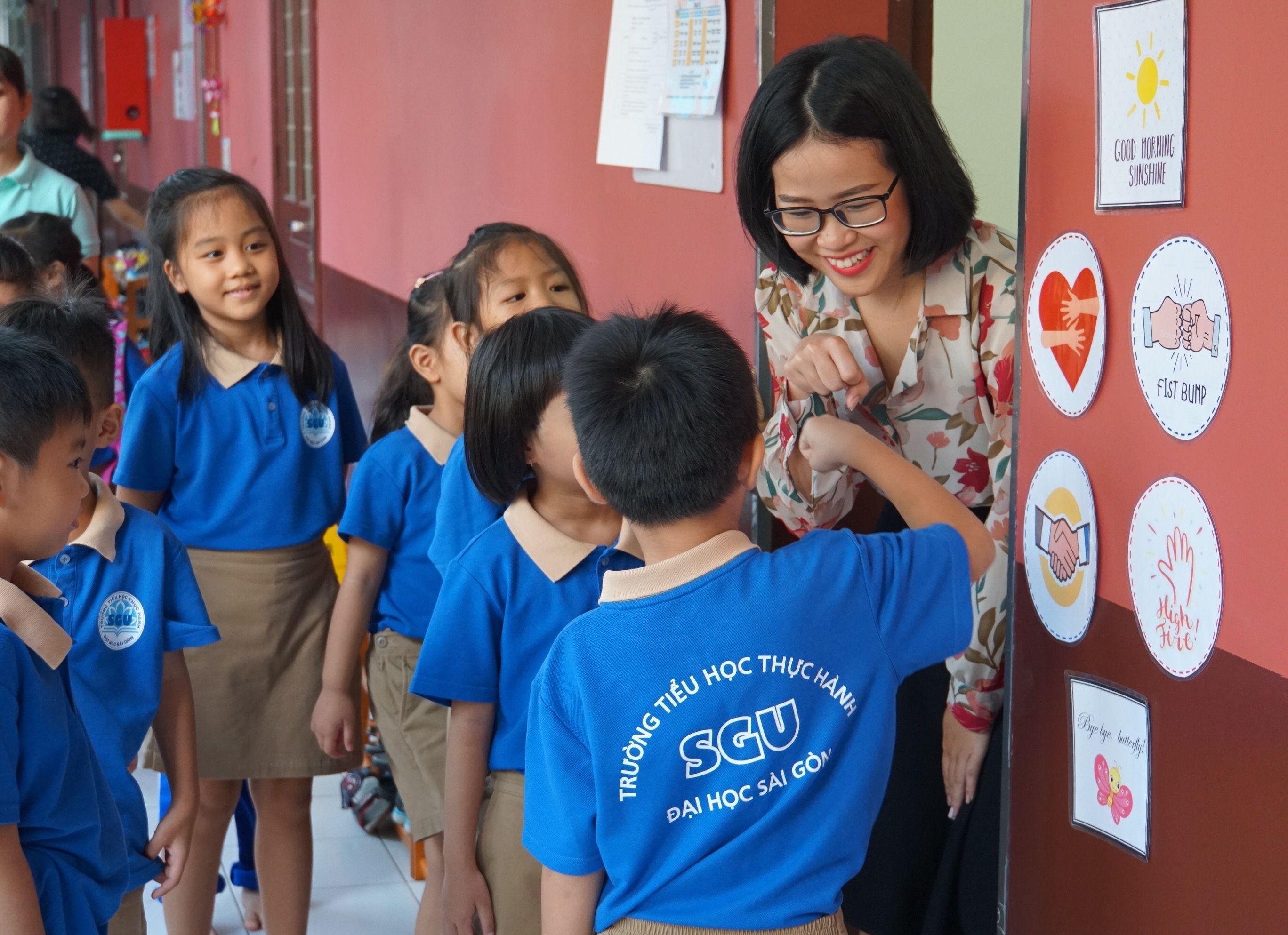 Ảnh ngày nhà giáo Việt Nam 20-11 đẹp nhất