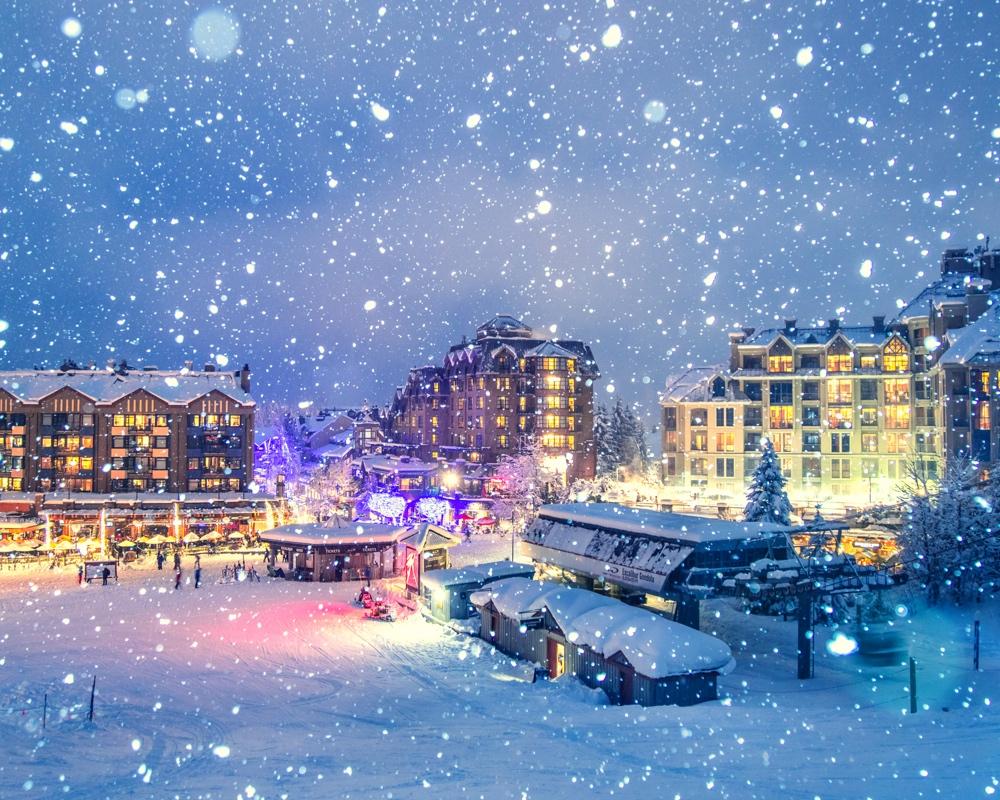 Góc phố ngập trong tuyết vào mùa đông