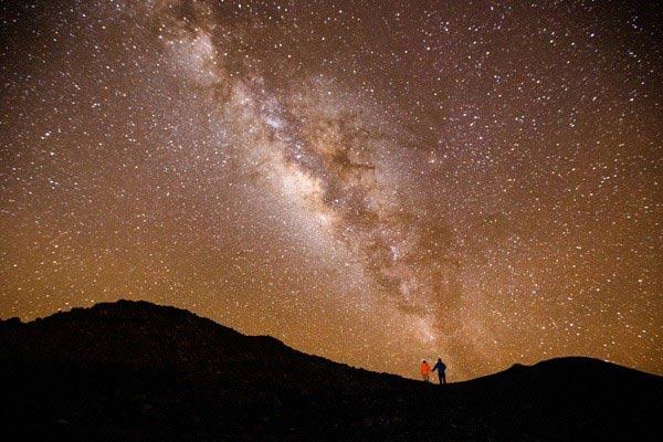 Hình ảnh bầu trời đêm lãng mạn