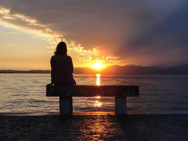 Hình ảnh cô đơn sau khi chia tay