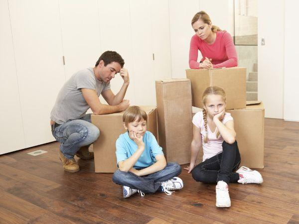 Hình ảnh gia đình buồn chán