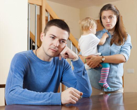 Hình ảnh gia đình buồn, tâm trạng