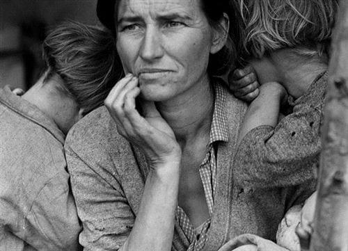 Hình ảnh gia đình buồn thất vọng