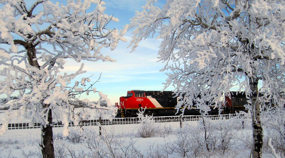 Hình ảnh mùa đông và đoàn tàu hỏa