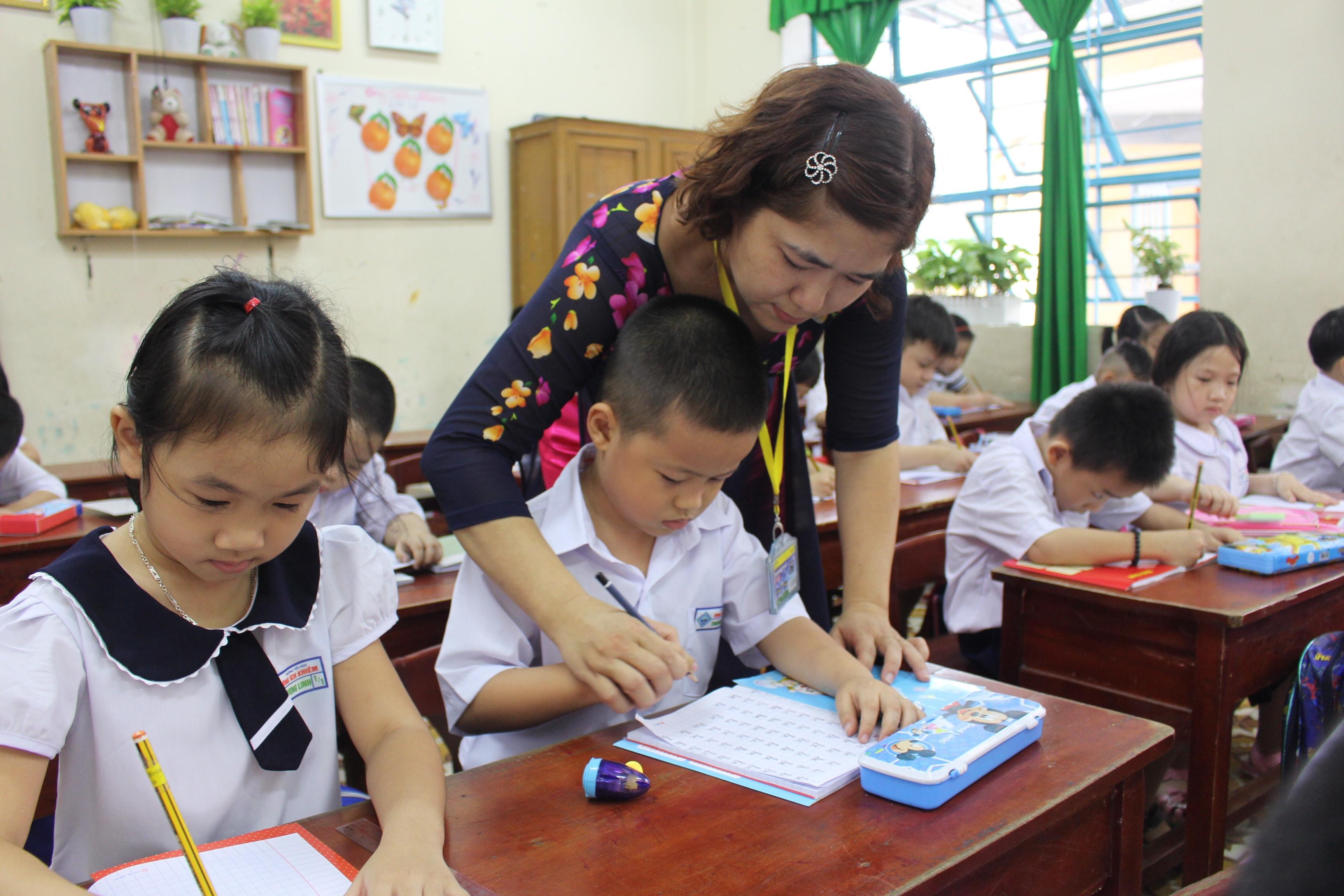 Hình ảnh ngày nhà giáo Việt Nam 20-11 ý nghĩa nhất