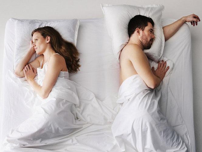Hình ảnh vợ chồng sắp chia tay