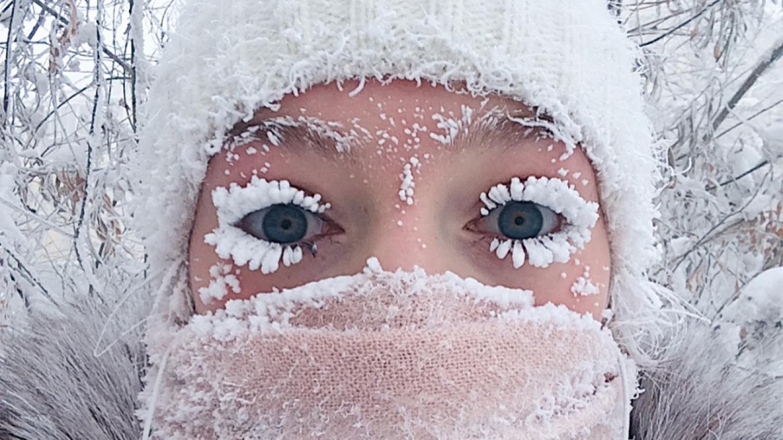Mùa đông lạnh lẽo đến đóng băng lông mi