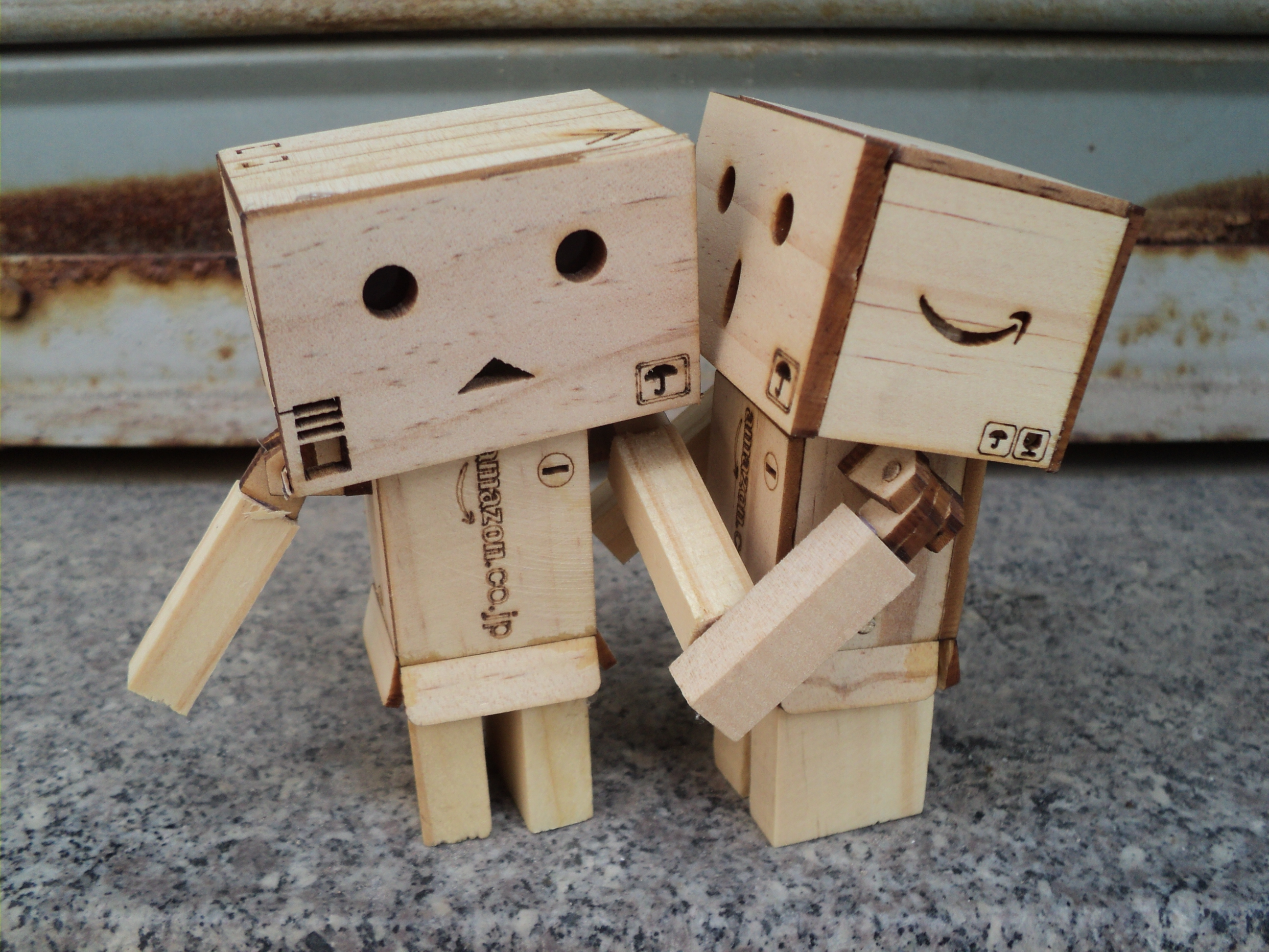 Hình ảnh người gỗ thơm và má người gỗ
