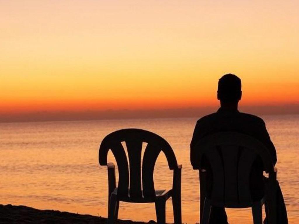 Hình ảnh yêu xa cô đơn
