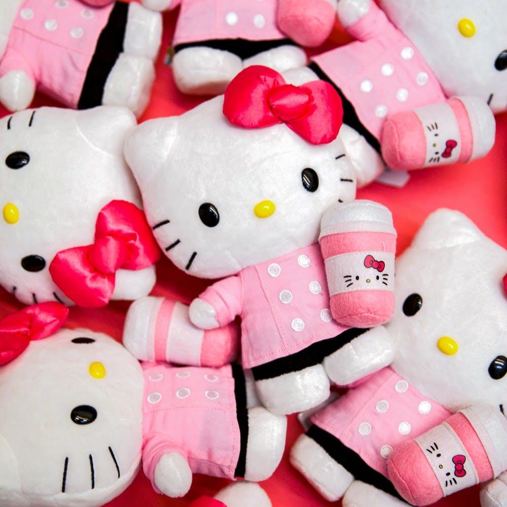 Gấu bông Hello Kitty ôm cốc cafe