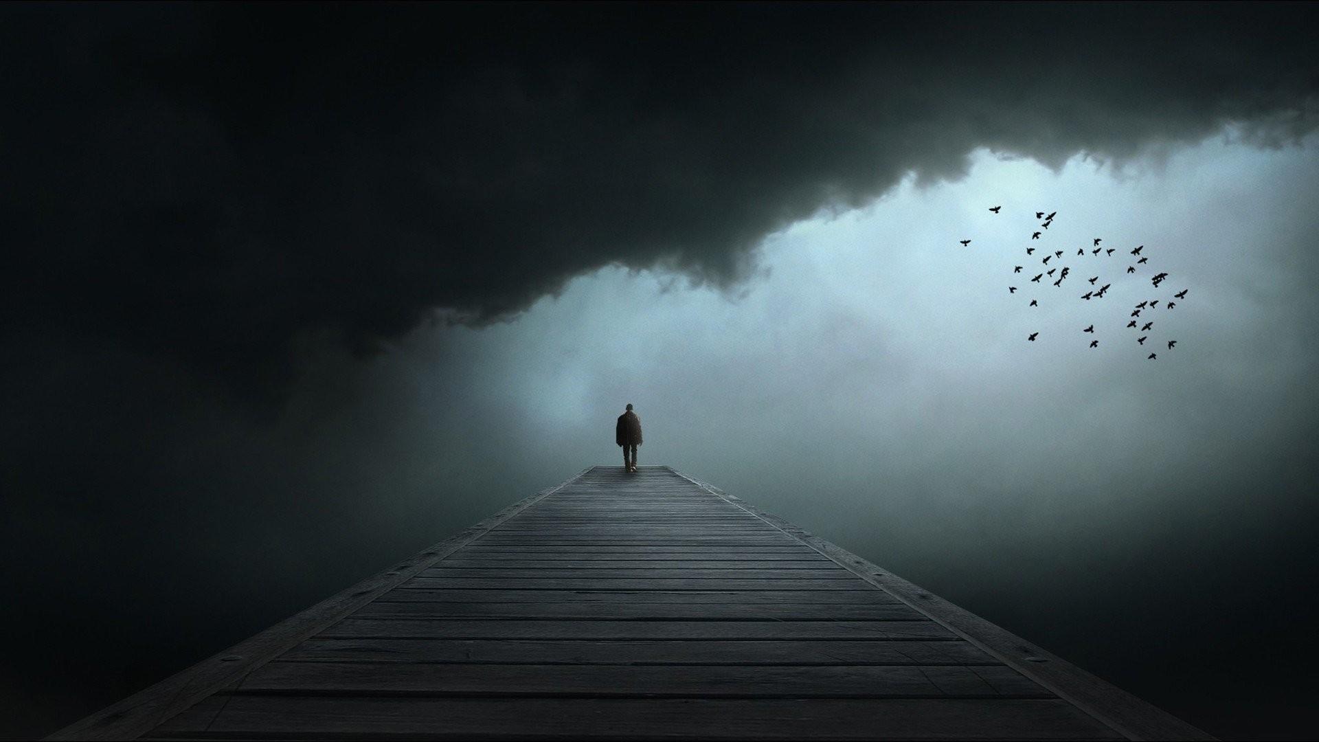Hình nền cô đơn đứng trên cây cầu