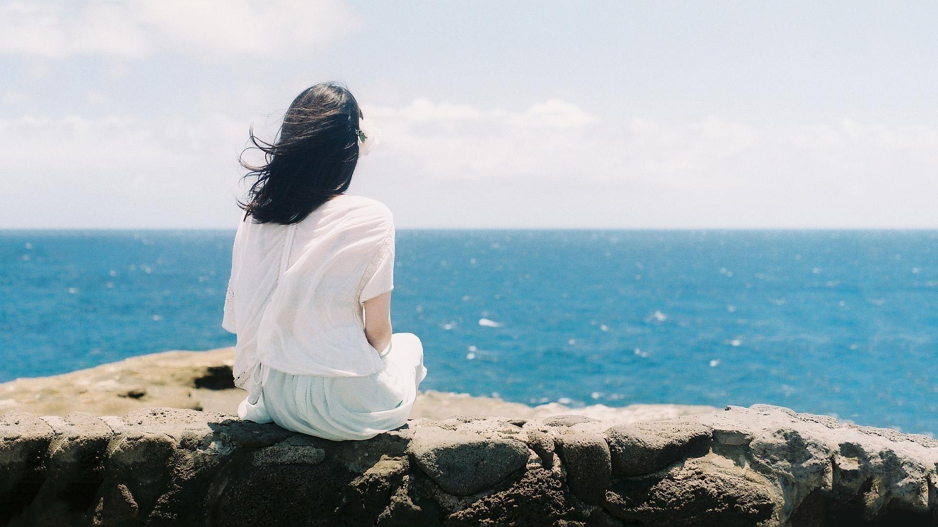 Hình nền cô đơn sao chỉ có mình em ngồi nơi đây đợi ai