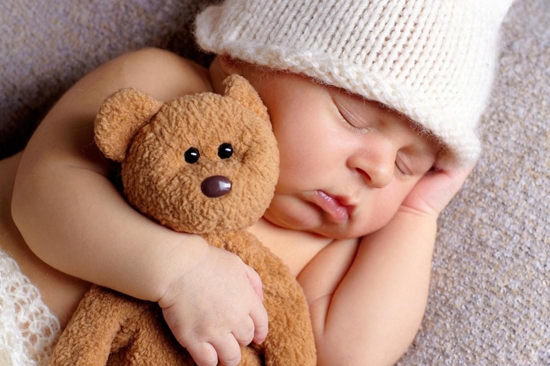 Ảnh bé buồn ngủ đáng yêu nhất