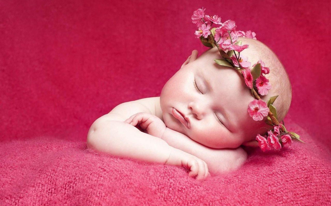 Hình ảnh em bé buồn ngủ dễ thương và đáng yêu nhất
