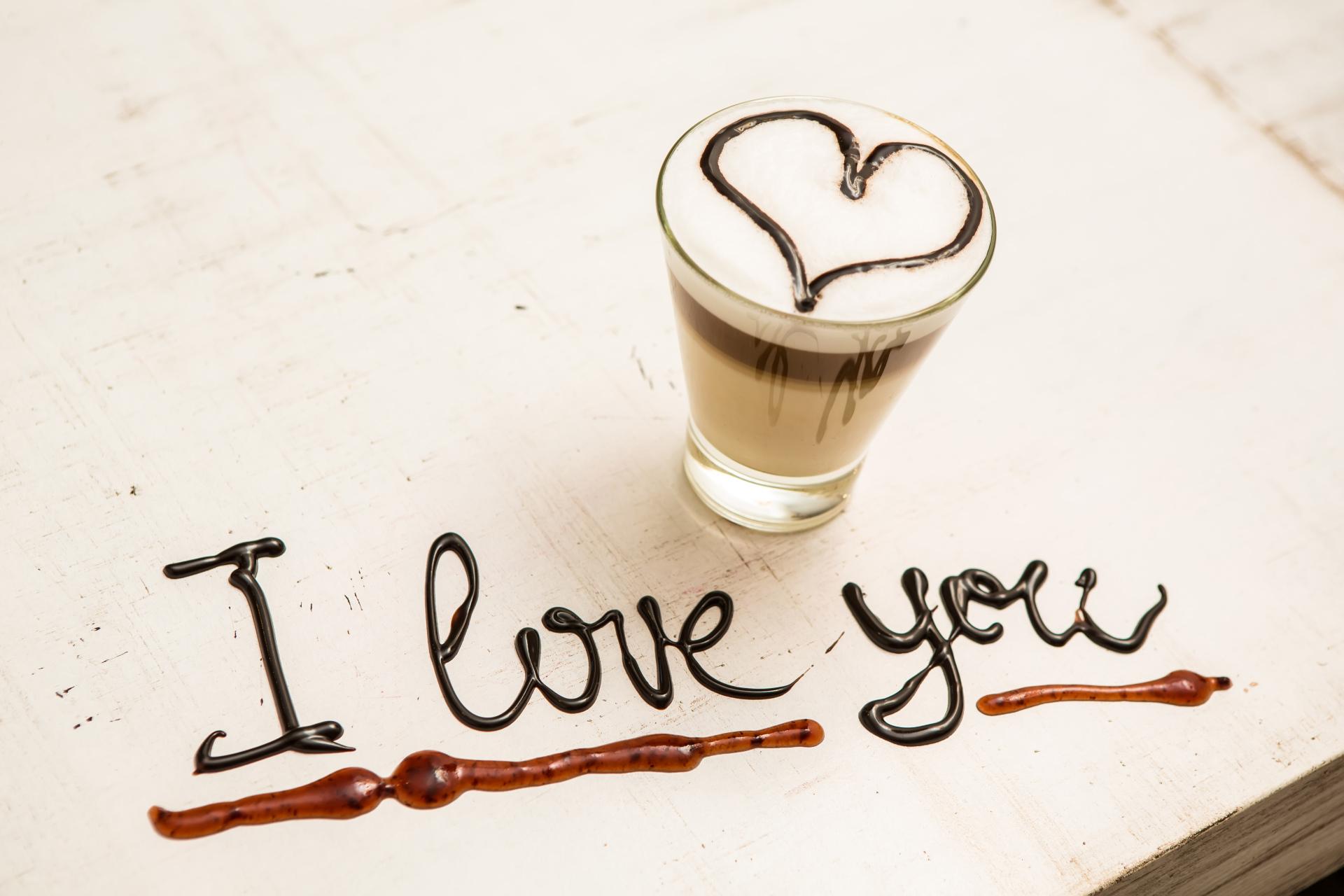 Hình chữ I Love You đơn giản ngộ nghĩnh đẹp