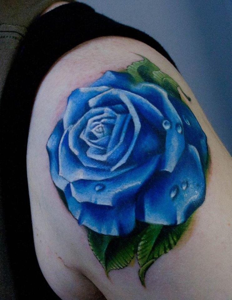 Hình xăm hoa hồng xanh cho nam