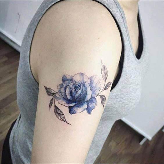 Hình xăm hoa hồng xanh đẹp
