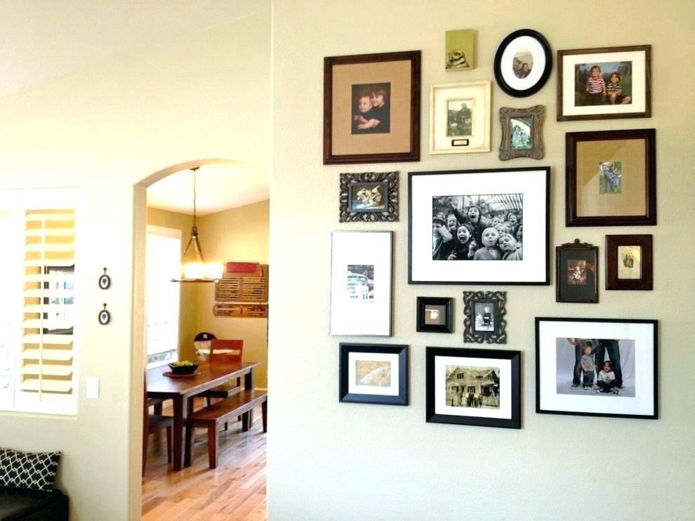Mẫu trang trí khung ảnh treo tường